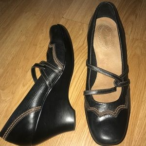 CLARKS 7.5 M Brown Mary Janes Loafer Wedge Heels